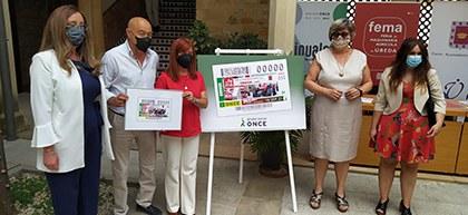 Foto de familia de la presentación del cupón dedicado a la Feria de Maquinaria Agrícola de Úbeda Jaén