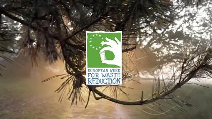 logo de la semana europea de reducción de residuos sobre un fondo de árboles