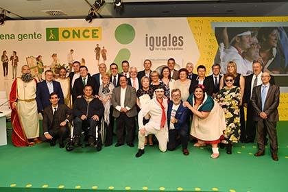 Foto de familia de todos los vendedores galardonados