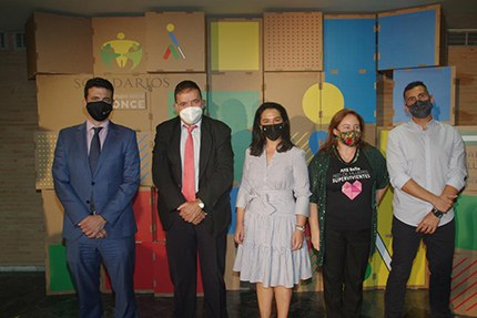 Foto de familia de los premiados en Solidarios ONCE Andalucía 2021