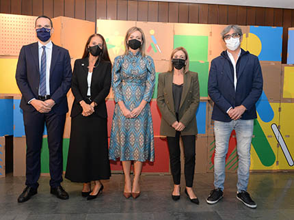Fotos de familia de los galardonados en los Premios SOlidarios ONCE Galicia 2021