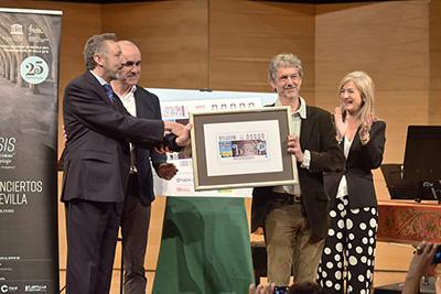 Presentación del cupón dedicado al 25 aniversario de la OBS