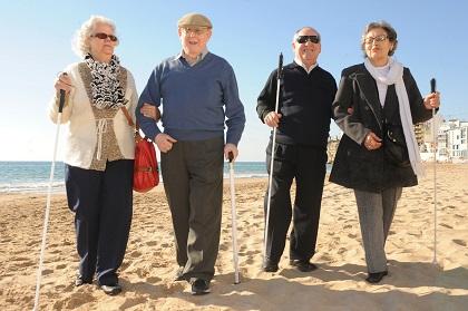 Personas mayores afiliadas a la ONCE disfrutan de vacaciones sociales