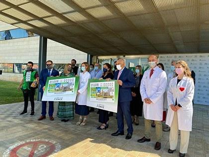 Presentación del cupón dedicado al Hospital Universitario Reina Sofía