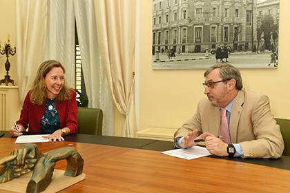 Patricia Sanz y Fernando Chacón, durante la firma del acuerdo