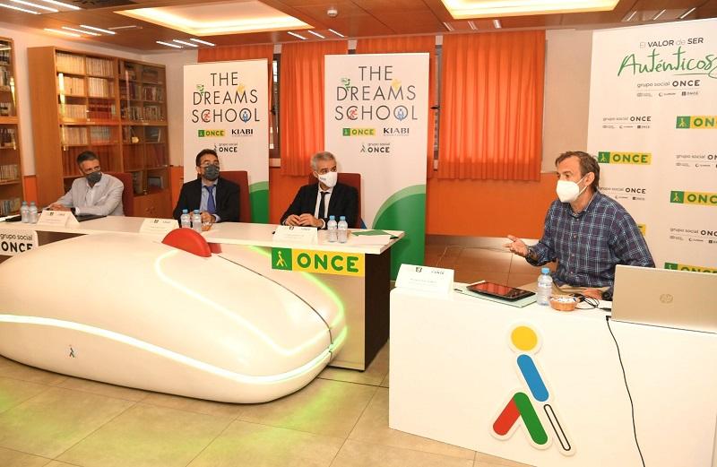 Firma del convenio entre Kiabi y la ONCE en el Cre de Madrid