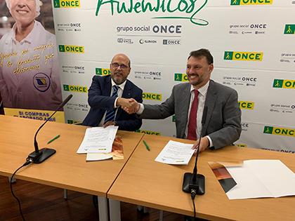 Firma del acuerdo entre la ONCE y la Asociación Industrial de Canarias, ASINCA
