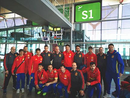 Embarque de la selección de fútbol para ciegos en Aeropuerto de Barajas