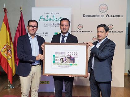 Presentación del cupón de la ONCE dedicado a la Fiesta de la Vendimia de Serrada