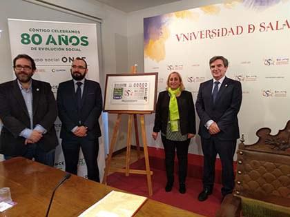 Foto de familia de la presentación del cupón de la ONCE dedicado al 800 aniversario de la Universidad de Salamanca