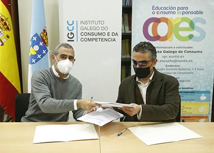 Manuel Heredia y Manuel Martínez Pan, durante la firma del acuerdo