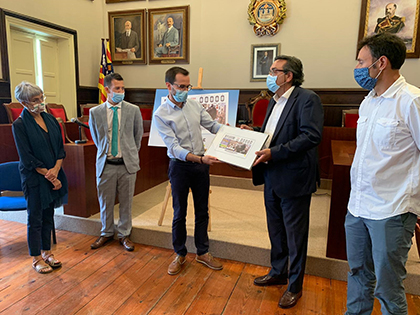 Presentación del cupón de la ONCE dedicado a las Fiestas de la Mare de Déu de Gràcia, de Maó