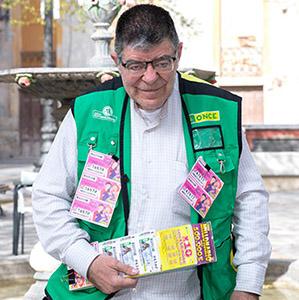 Pedro José Reverte, vendedor de la ONCE en Lorca