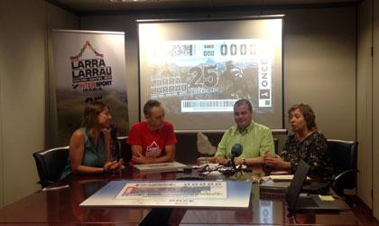 Un momento de la presentación del cupón del 9 de septiembre dedicado a la Marca Cicloturista Larra Larrau