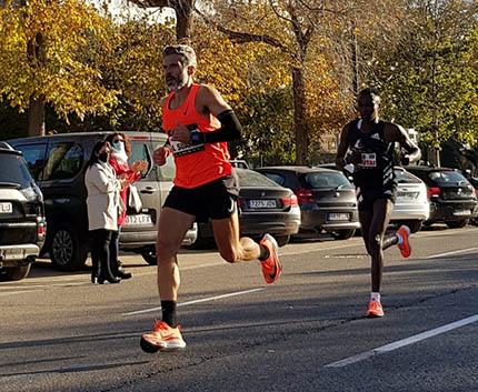 Alberto Suárez durante su participación en la Maratón de Valencia