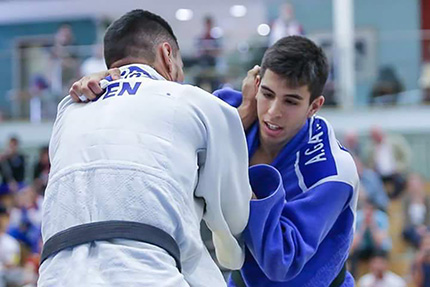 El judoca Álvaro Gavilán en pleno combate