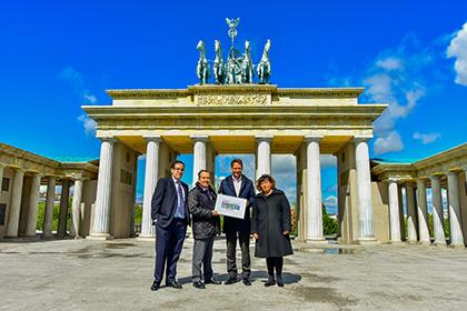 Presentación del cupón de la ONCE dedicado a Parque Europa