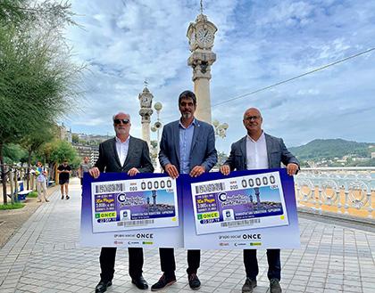 Presentación del cupón de la ONCE dedicado a los Relojes de La Concha de Donostia