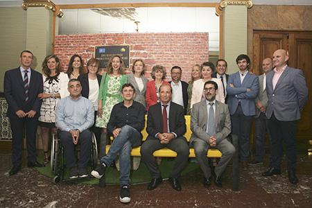 Premiados y autoridades en los Solidarios ONCE Asturias 2019