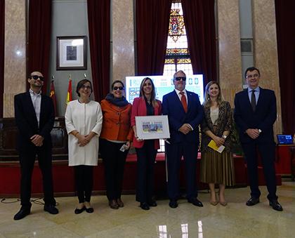 Foto de familia de la presentaci´n del cupón de la ONCE dedicado a Murcia, Premio reina Letizia de Accesibilidad 2018