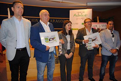 Foto de familia de la presentación de los cupones de la ONCE dedicados a Novallas y Remolinos