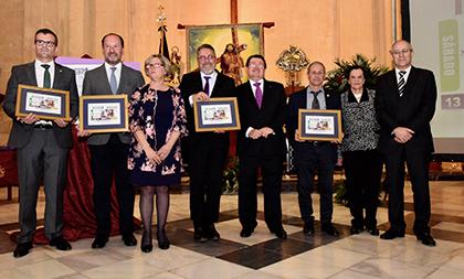 Foto de familia de la presentación del cupón que la ONCE dedica a Nuestro Padre Jesús 'El Abuelo', Patrón popular de Orihuela