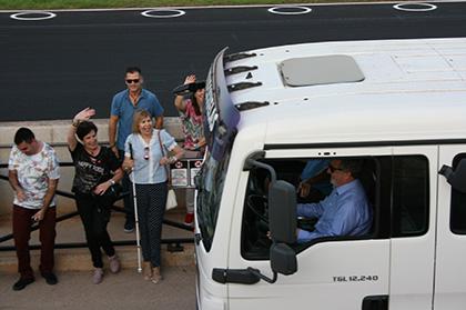 El delegado territorial de la ONCE en la Región de Murcia, al volante de un camión