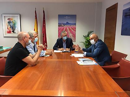 Reunión de ONCE Murcia con el consejero de Sanidad
