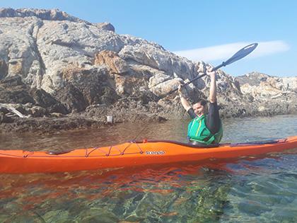 Isaac Padrós se puede convertir en la primera persona ciega en hacer la vuelta a Menorca en kayak individual