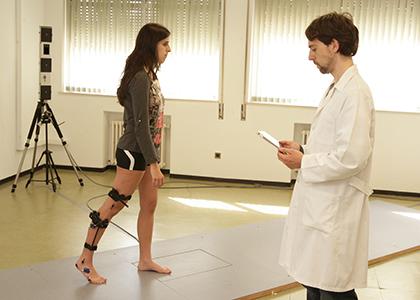 Juan Andrés Martin durante una prueba en el Laboratorio de Análisis de Movimiento dela Escuela de Fisioterapia de la ONCE