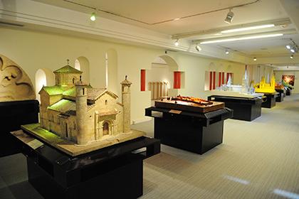 Varias de las maquetas de monumentos españoles en el Museo Tiflológico