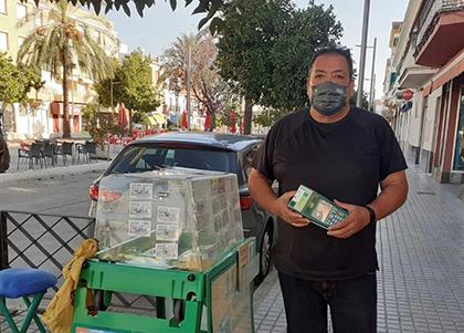 Santiago Prieto, vendedor que ha dado La Paga del cupón en La Carlota