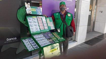 Fausto Benítez, vendedor de la ONCE que ha dado La Paga en Otura