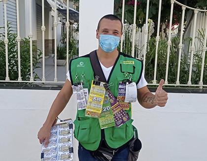 Hector Matas, vendedor que ha dado La Paga