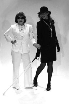 "Fotografia de dos actrices de ""On anirem a parar?!"""