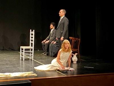 Actores del grupo La Esfera en una representación