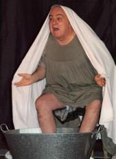 Escena de un actor del grupo Samaruc Teatre