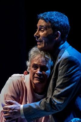 Actores durante la representación de Flechas del ángel del olvido
